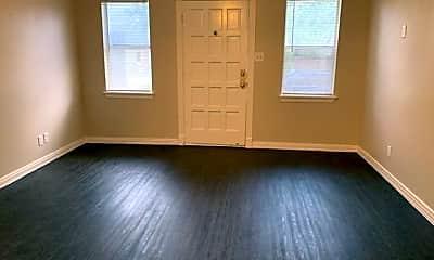 Living Room, 921 N Fitzhugh Ave, 1
