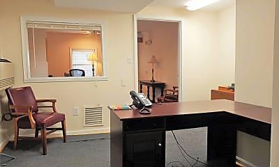 Living Room, 6328 Catlett Rd, 1