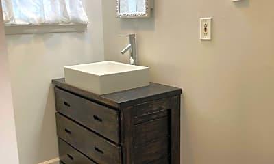 Bathroom, 24 Peach Tree Rd, 2