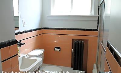Bathroom, 37 Main St, 2