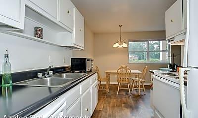 Kitchen, 1814 Fayetteville Dr, 1