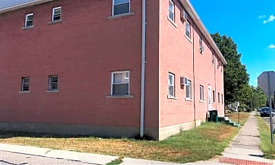 Building, 201 Park Ave, 2