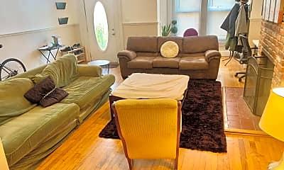 Living Room, 824 7th St NE, 1