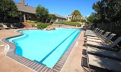 Pool, 19500 Us 281 North, 2