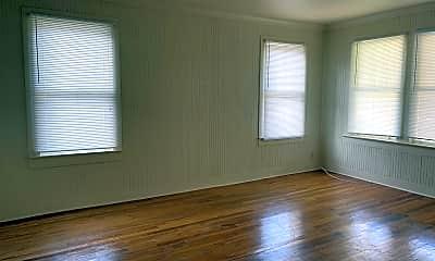 Living Room, 452 Bernardo St, 2