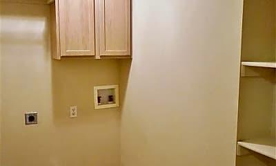 Bathroom, 901 Beaumont Square, 2