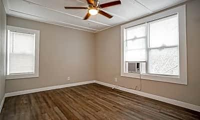 Bedroom, 326 W Sears St 201, 1