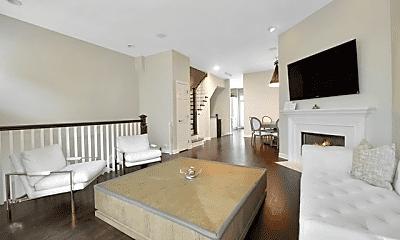 Living Room, 739 N Kingsbury St, 2