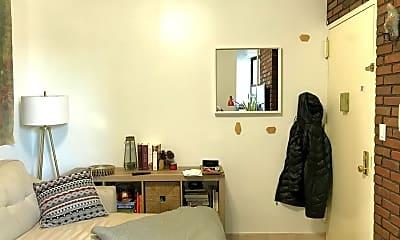 Living Room, 168 Huron St, 1