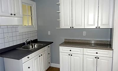 Kitchen, 96 Holland Ave 3, 1