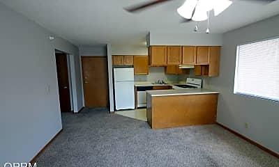 Living Room, 8240 Blondo St, 1