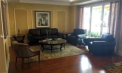 Living Room, 1919 Van Buren St 502A, 1