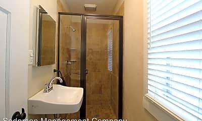 Bathroom, 2011 Federal St, 2