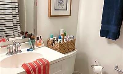 Bathroom, 1200 Short St A, 2
