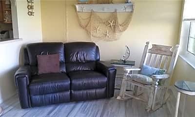 Living Room, 66 Woodland Dr 104, 1