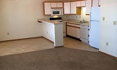 Turnberry Square Apartments, 1