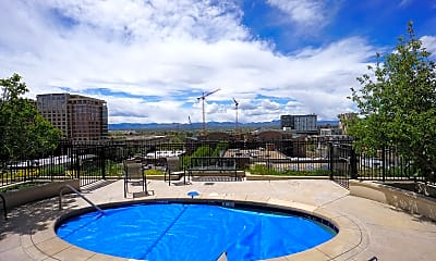 Pool, 975 Lincoln St, 2