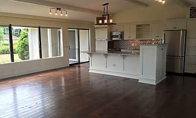 Living Room, 5599 Salish Rd, 1