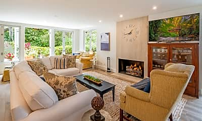 Living Room, 1524 E Valley Rd, 1