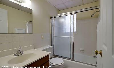 Bathroom, 3227 Holiday Dr, 2