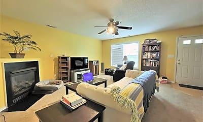 Living Room, 2902 Moorgate Ave, 1