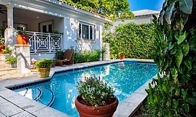 Pool, 340 Woodcrest Rd, 1