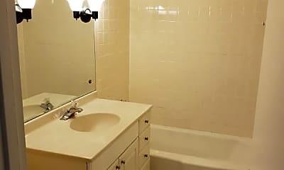 Bathroom, 711 Falcon Dr, 2