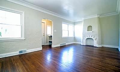 Living Room, 3544 Elm St, 1