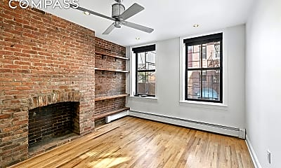 243 Mulberry St 2-R, 0