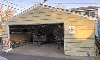 685 Van Buren Ave, 1