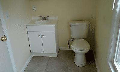 Bathroom, 212 Laurel St, 1