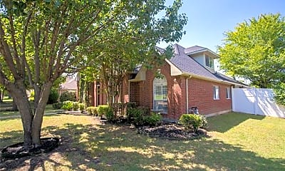 Building, 3015 Oak Dr, 1