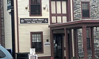 Hanora Lippitt Apartments, 1