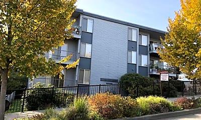 Building, 1121 N 200th St, 1