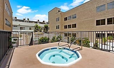 Pool, The Oaks Apartments, 2