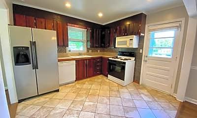 Kitchen, 501 Caroline Ave, 2