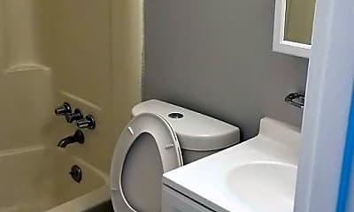 Bathroom, 4308 Hamilton Ave, 2