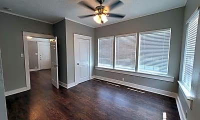 Living Room, 1409 W Woodlawn Ave 1, 2