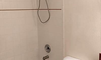 Bathroom, 1320 E Cedar St, 2