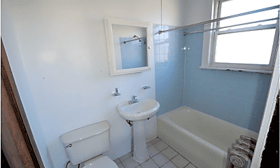 Bathroom, 4830 W Addison St, 1