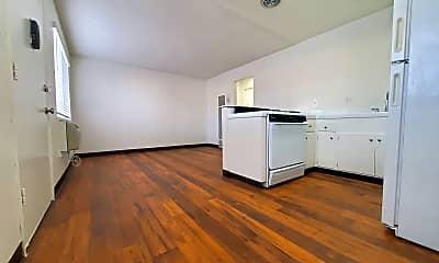 Kitchen, 4417 Parks Ave, 1