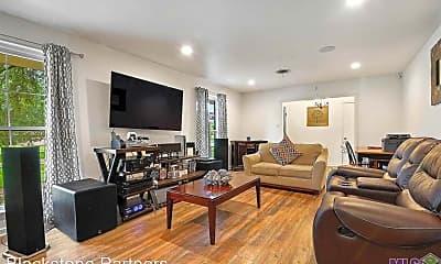 Living Room, 3755 Chelsea Dr, 2