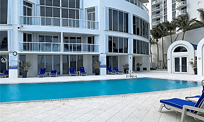 Pool, 18671 Collins Ave, 1
