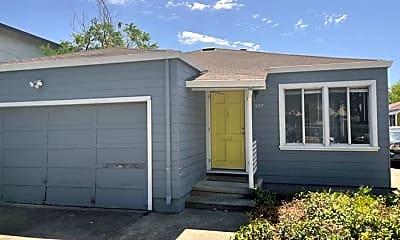 Building, 539 Harrison Ave, 1