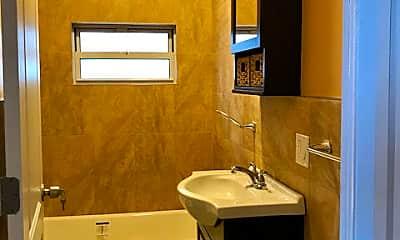 Bathroom, 25 Washington Pl, 2