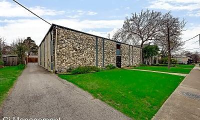 Building, 5330 Junius St, 1