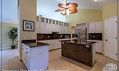 Kitchen, 1085 5th St S, 0