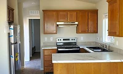 Kitchen, 6410 S Fontana Ave, 1