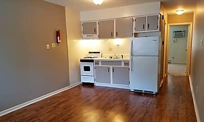 Kitchen, 729 W Dixie St, 2