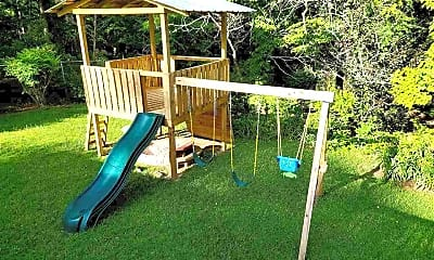 Playground, 720 Sussex Dr, 2